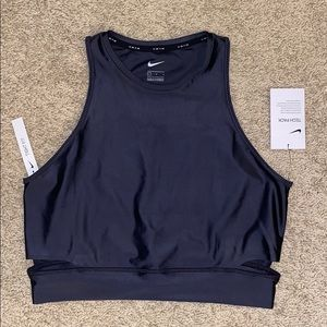 NWT - Nike Tight Fit Collant Top - Size L